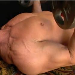 Höftpress för bröstmusklerna